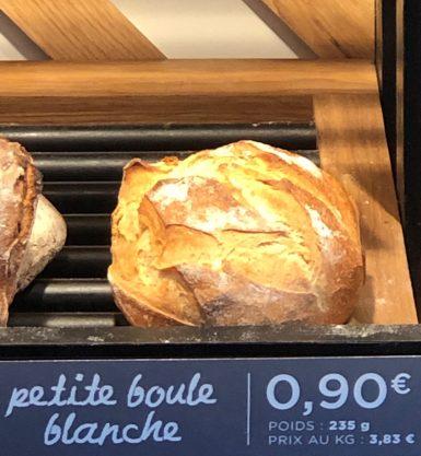 Boule de pain frais
